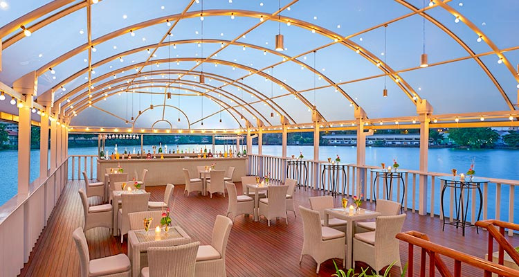 Boat Restaurant at Luxury Hotel in Colombo