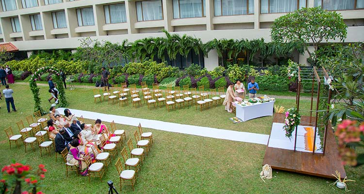 Garden Wedding Setting at Luxury Hotel in Colombo